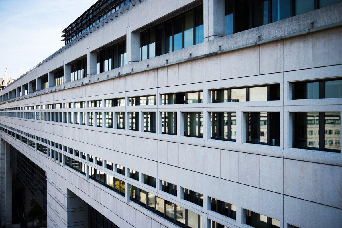 agence de communication institutionnelle Paris Lille 09